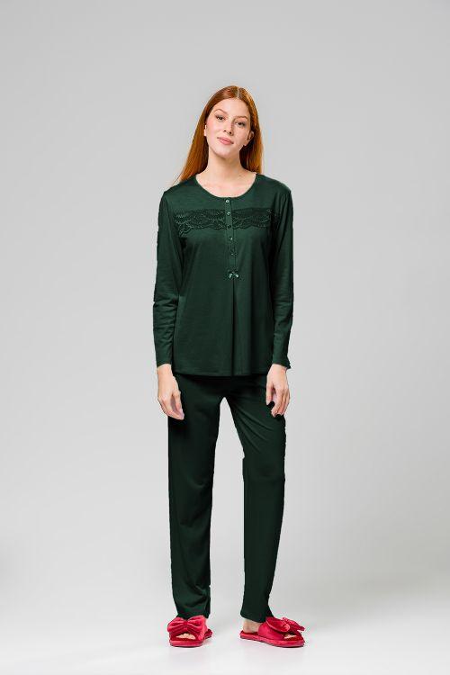 Γυναικεία πυτζάμα με πατιλέτα και δαντέλα στην μπλούζα.