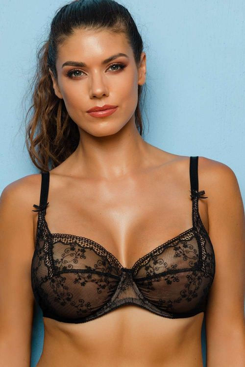 Soft bra with luxurious lace special for large cups